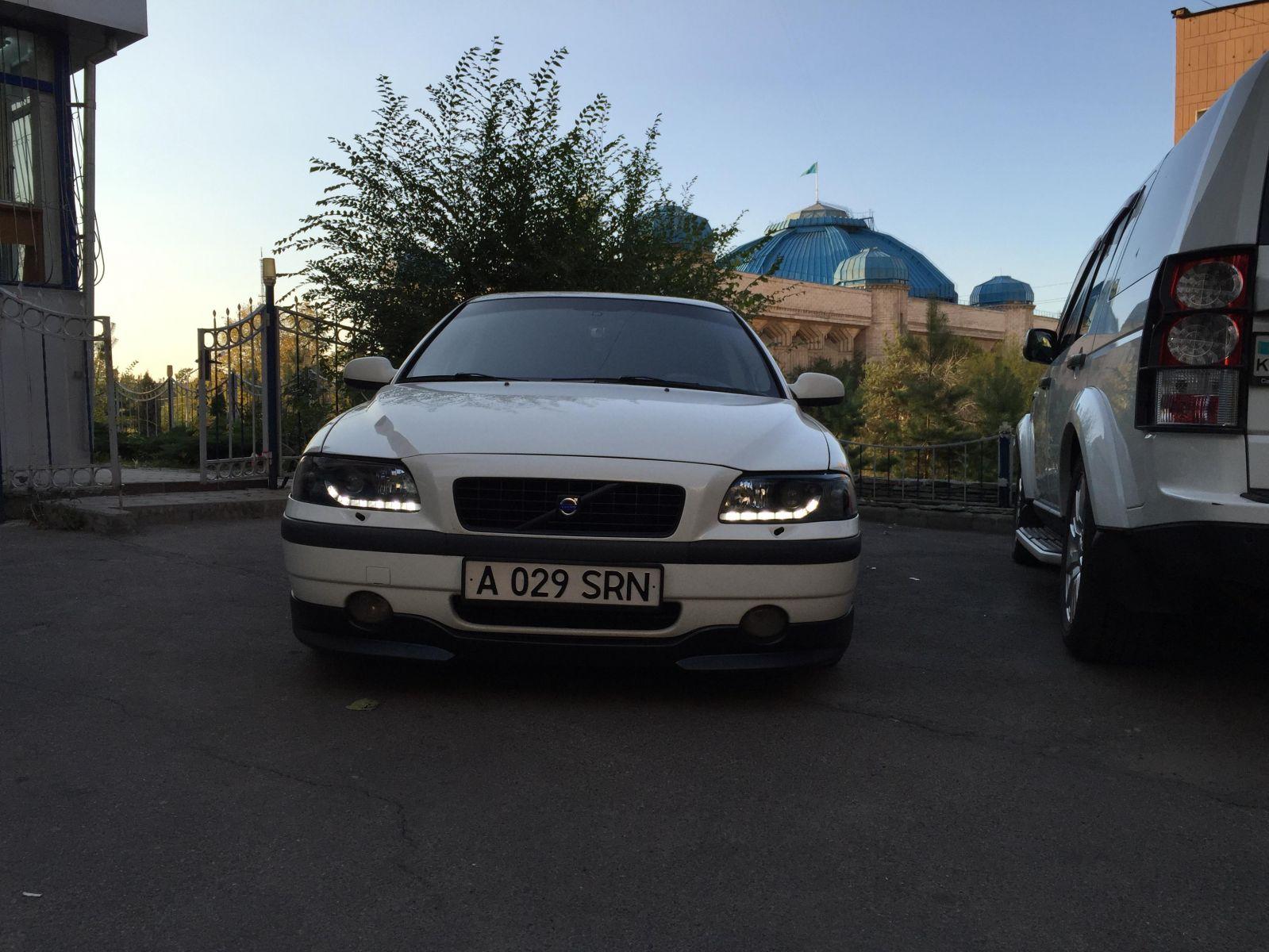 Вольво S60 001