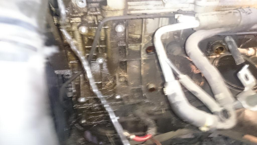 демонтаж бачка вентиляции картерных газов