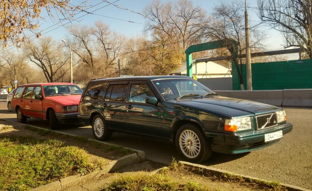 1991 740 wagon.jpg